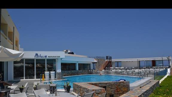 Jeden z basenow w hotelu Sissi Bay
