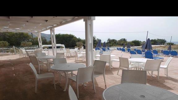 Bar przy basenie Caretta Sea View