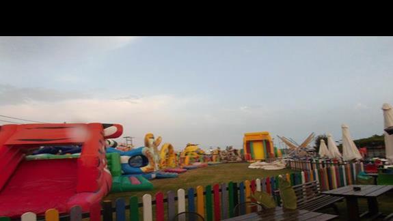 Plac zabaw okolice Caretta Beach