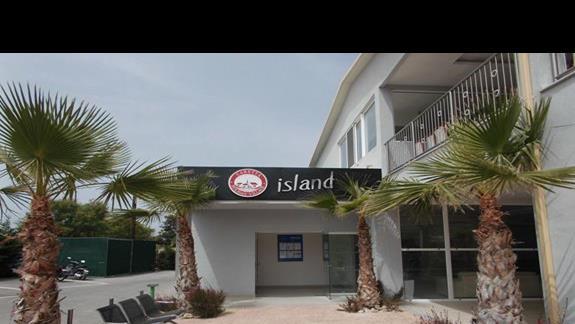 Caretta Island front