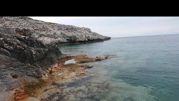 Zejście do morza w hotelu Apostolate