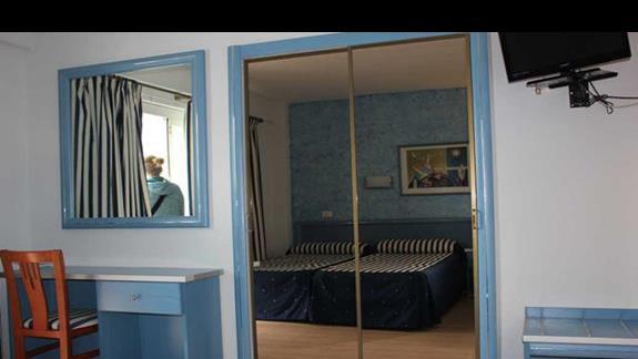 pokój standardowy w hotelu Santa Monica Playa
