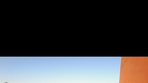 Widok z pokoju na baseny.😎🐪