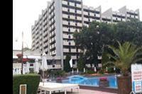 Hotel Grand Hotel Varna - Widok na Grand Hotel Varna od strony basenu