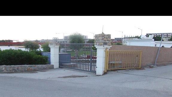Wejście do Hotelu Labranda - Zamknięte