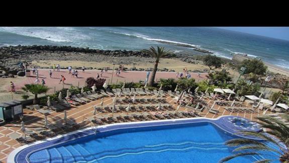 Ifa Faro widok na basen