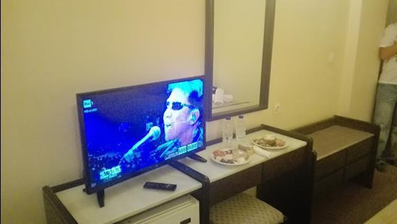 Pokój :) i jedzenie które czekało na nas jak przyjechaliśmy do hotelu ok 4 rano
