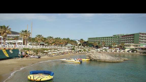 wodne atrakcje przy plaży w  Star Beach Village