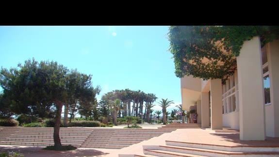 wejście do hotelu Lyttos Beach