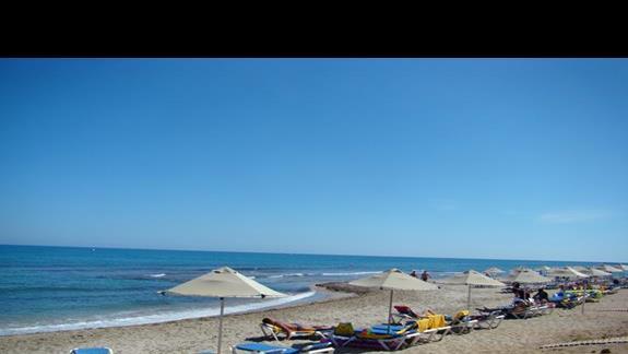 hotelowa piaszczysta plażą przed obiektem Lyttos Beach