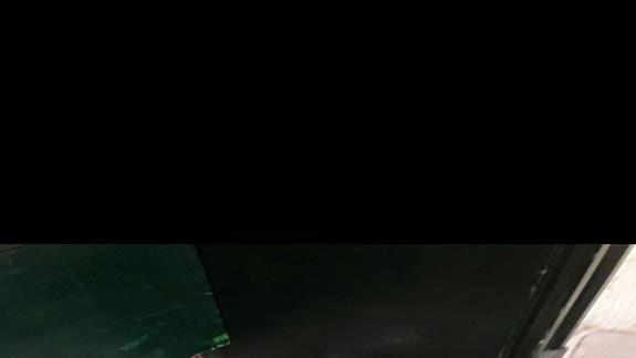 jedzenie pozostawione na korytarzu z bliska ( stoi 3 dni)