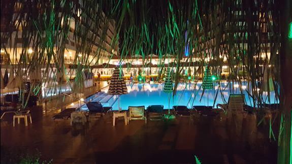 Przy hotelu