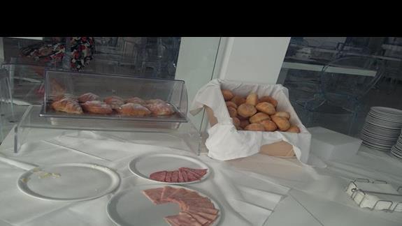 bufet śniadaniowy godz.7:50