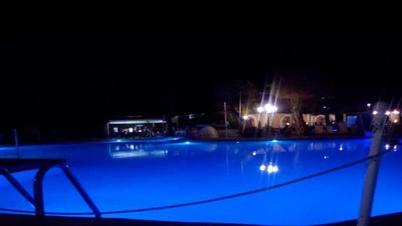 Basen - nocą :)