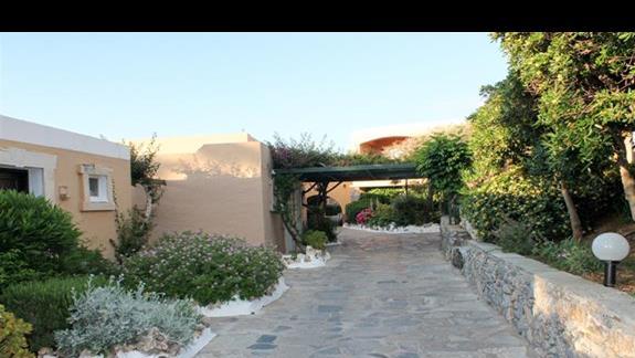 Teren hotelu - część bungalow