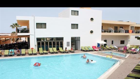 Pokój standard - widok na basen