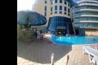 Hotel Ivana Palace - Widok z leżaka przy basenie