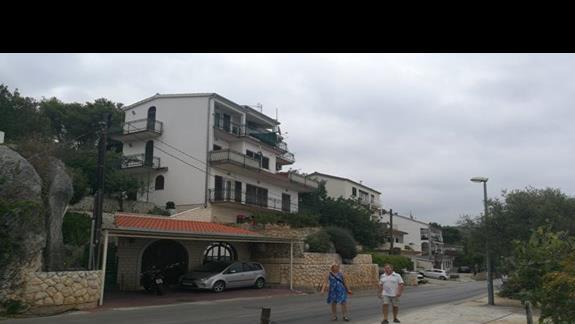 Ulica przy Villi.