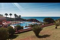 Hotel Auramar Beach Resort - widok na basen i ocean