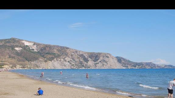 Kalamaki Beach przy hotelu Caretta Sea View i Caretta Island