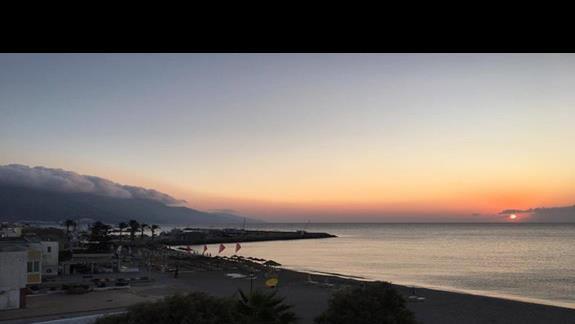 Wschód słońca z balkonu- cudownie :)