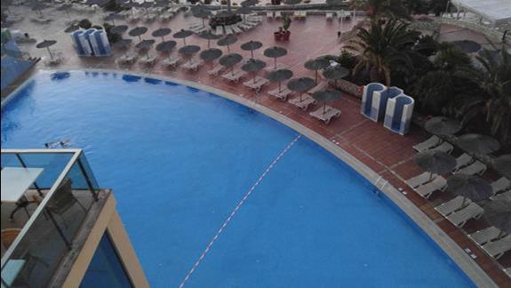 Widok z tarasu hotelu 3