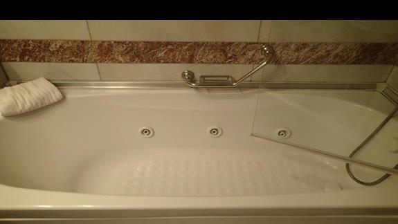 Jacuzzi w łazienkach typu DBL
