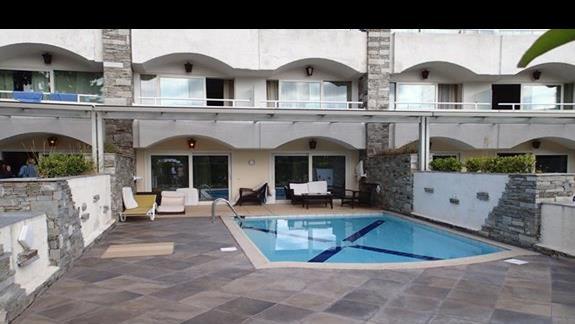 Prywatny basen w pokoju typu SUITE