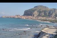 Hotel Santa Lucia le Sabbie D'oro -  pobliska plaża i widok na miasteczko Cefalu