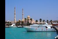 Hotel Red Sea Grand Resort - Marina w Hurghada, w oddali nowy meczet