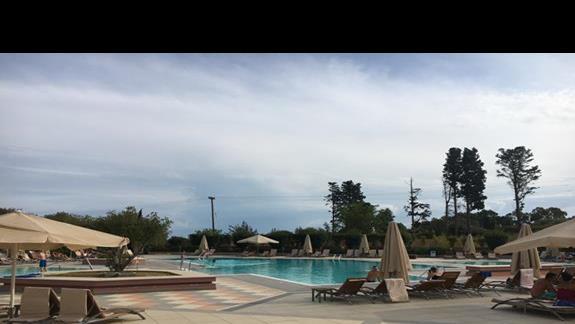 Baseny zew. w hotelu Utopia Resort & Spa