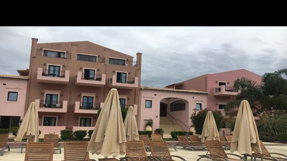 Budynek główny hotelu Utopia Resort & Spa