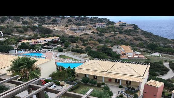 Teren hotelu Apostolata Island Resort&Spa