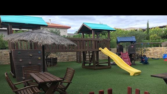 Plac zabaw w hotelu Apollonion Resort & Spa