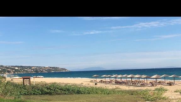 Plaża przy hotelu Tara Beach