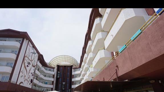 wejście do hotelu