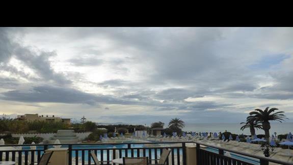 Basen  hotelu Creta Star
