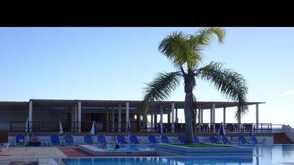kompleks basenów w hotelu Mellieha Bay