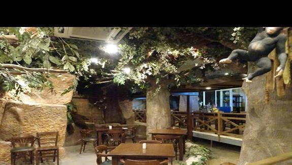 Jungle Restaurant w hotelu Seabank