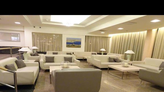 lobby w hotelu Santana