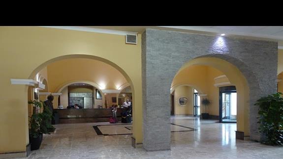 lobby w hotelu Paradise Bay