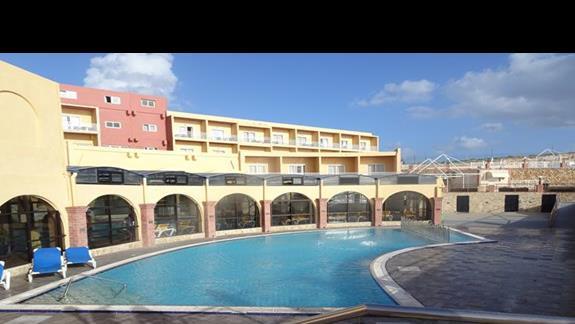 basen w hotelu Paradise Bay