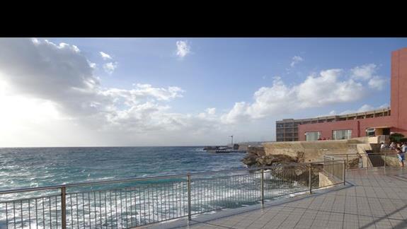 widok na zatokę z hotelu Paradise Bay