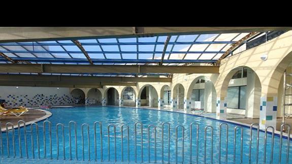 basen kryty w hotelu Paradise Bay