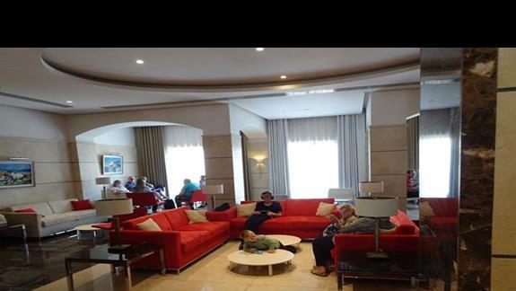 lobby w hotelu Maritim
