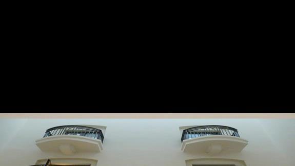 widok na pokoje ekonomiczne bez okna w hotelu Maritim