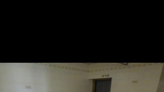 łazienka w pokoju standardowym  w hotelu Coral