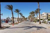 Hotel Sunrise Marina Resort - Droga z plaży