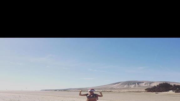 Wspaniała plaża Sotavento- doktórej idziesz brzegiem oceanu prosto  z hotelu