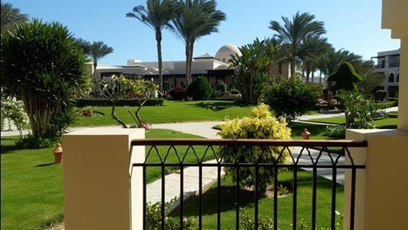 widok z pokoju   w hotelu Jaz Lamaya Resort